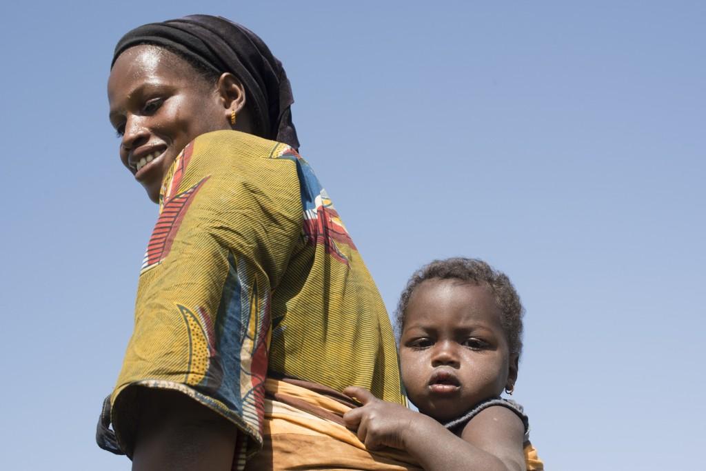 La cooperative du village de Ndiorol reunit 64 femmes. Les intrants ont ete fournis par Caritas?comme la motopompe, les semences et le grillage. Un don de 400 000 ouguiyas a permis de demarrer l'activite. Les femmes disposent d?un local ou elles fabriquent des conserves de legumes afin de pouvoir les vendre a Boghe ou a Nouakchott.