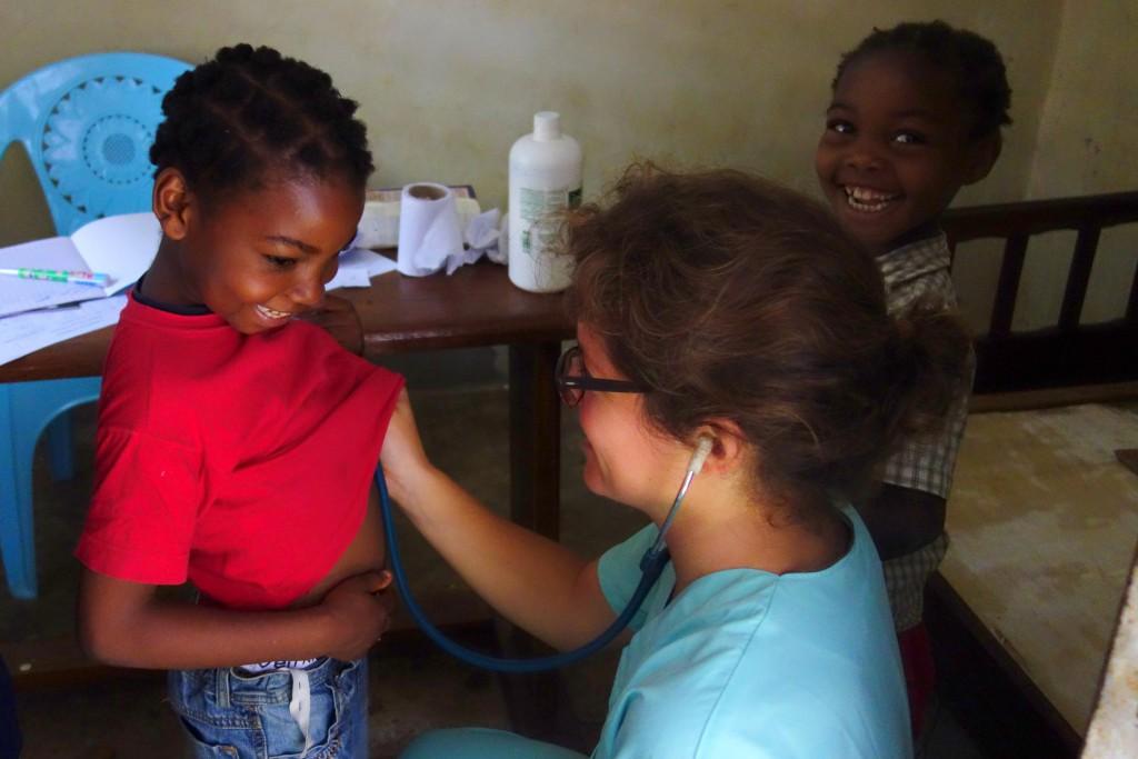 Guinée Conakry Fidesco Fondatio Don ISF Soigner les plus démunis