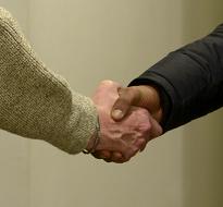 Vos dons en action : La Fondation Caritas France accompagne Passerelles & Compétences dans son développement