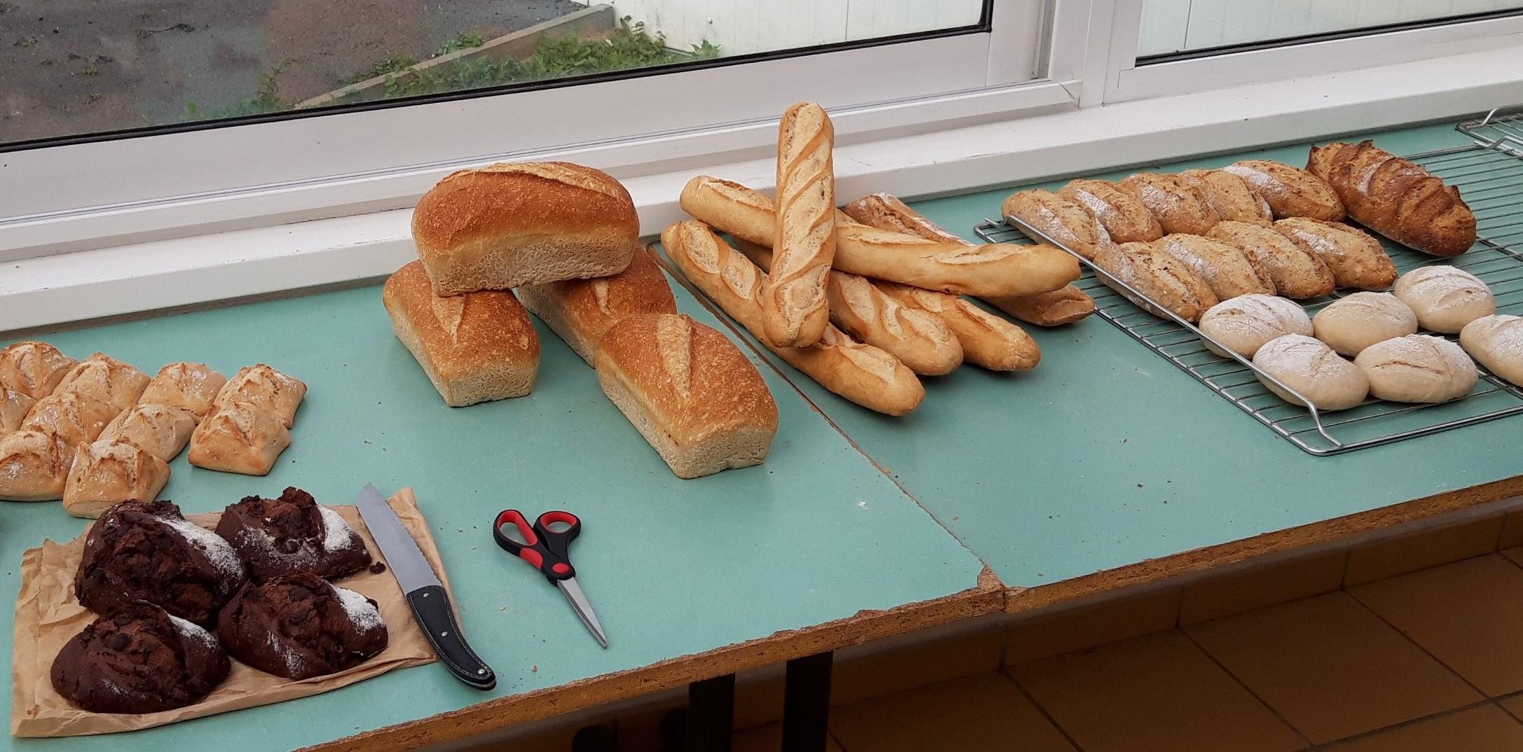 #CaritasTerrain – A Calais: le pain, le partage et les exilés