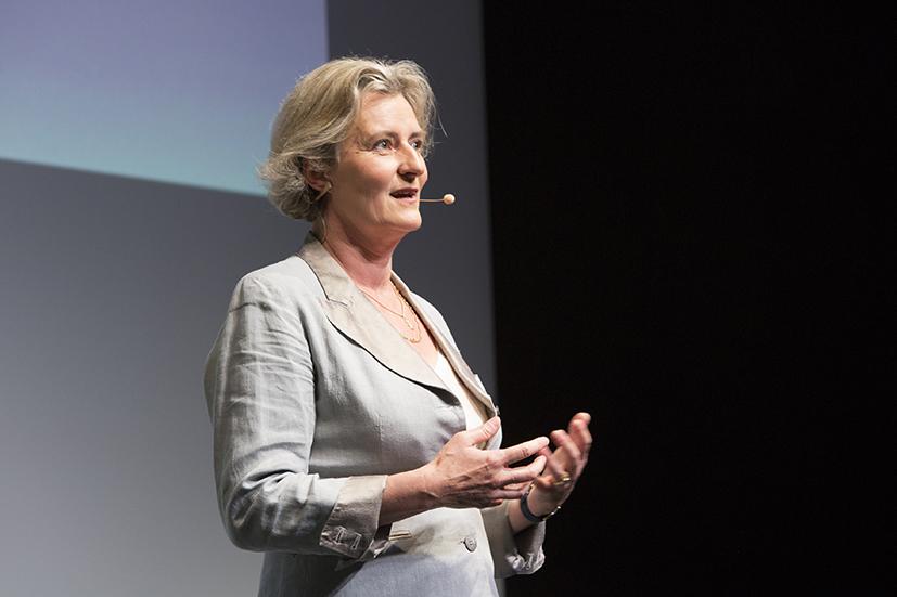 Caritas Inspiring Talks – Lucile Cornet-Vernet – «L'Artemisia : une plante ancestrale contre le paludisme»