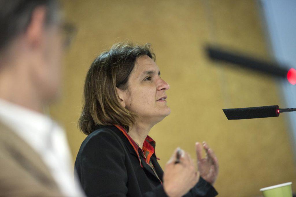 """En 2018, Esther Duflo s'adressait à la """"famille"""" Caritas"""