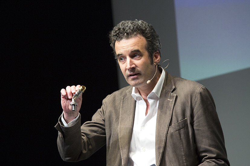 Caritas Inspiring Talks - Philippe De Roux - Eau&Vie - La dignité arrive par les tuyaux